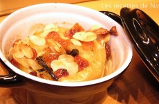 Pommes au four à la vanille, raisins secs et amandes