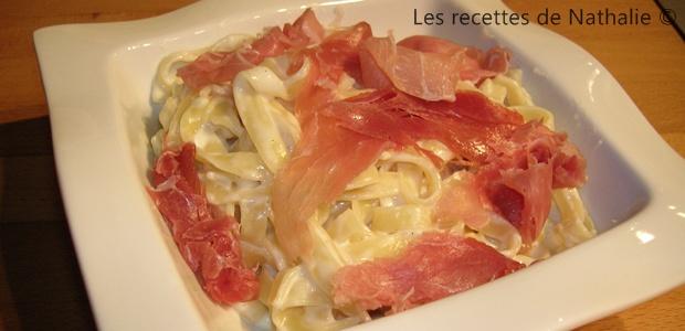 Tagliatelles au Saint-Marcellin et jambon de Parme