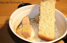 Oeuf cocotte au foie gras et pain brioché