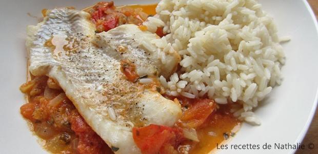 Filet de dorade, sauce tomates et oignons