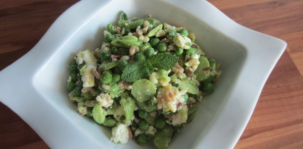 Salade fèves, petits pois, céréales et fêta